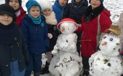 [Stonogi] Zabawy na śniegu